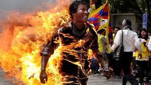 Brandende Tibetaan, foto ICT