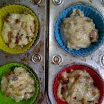 Dadelmuffins voor het bakken.