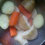 Aardappelen, wortel en selderij.