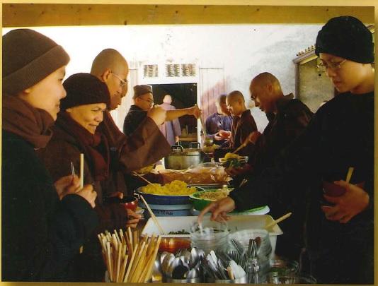 Illustratie uit het Plum Village Cookbook.