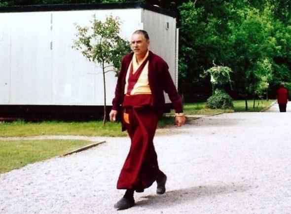 Lama Chöpel in 2001. Op een zomerretraite van de Nieuwe Kadampa Traditie in Engeland. Foto Joop Hoek/BD