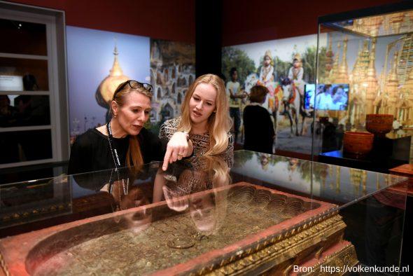 museum-volkenkunde-leiden-de-boeddha-2016-afbeelding-tentoonstelling-volkenkunde